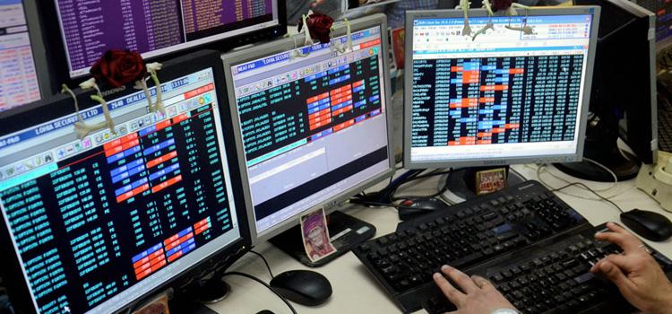 बजट के 'झटके' से नहीं उबर पा रहा बाजार, निवेशकों के 4.6 लाख करोड़ रुपए डूबे